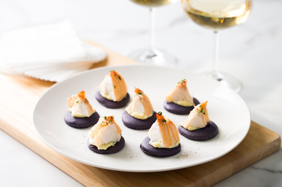 Moreton Bay Bugs on Peppered Macarons w/ aioli